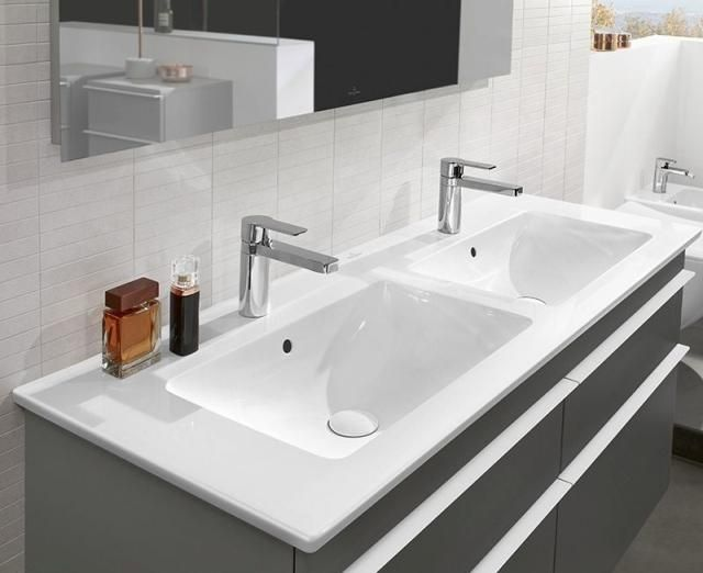 Villeroy & Boch Venticello Möbel-Doppelwaschtisch B:130xT:50cm ohne Hahnloch mit Überlauf weiß 4111DJ01