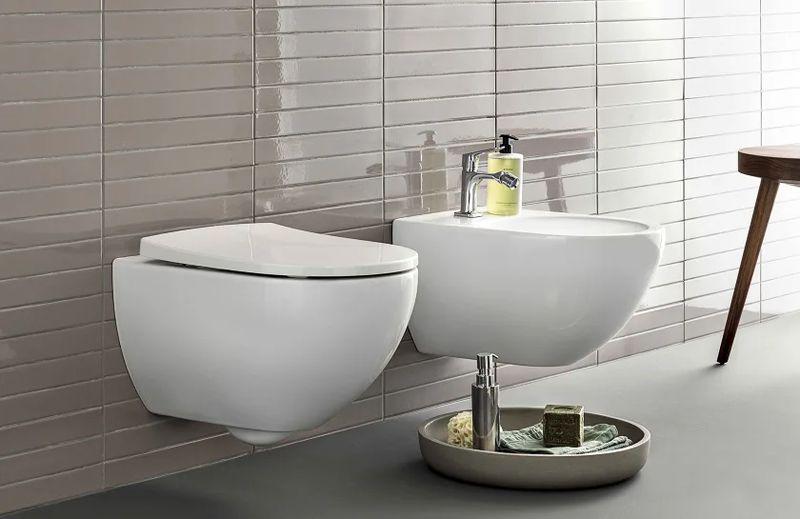 Geberit Keramag Acanto WC-Sitz Slim Wrap over antibakteriell Scharniere verchromt mit Absenkautomatik weiß 500605012