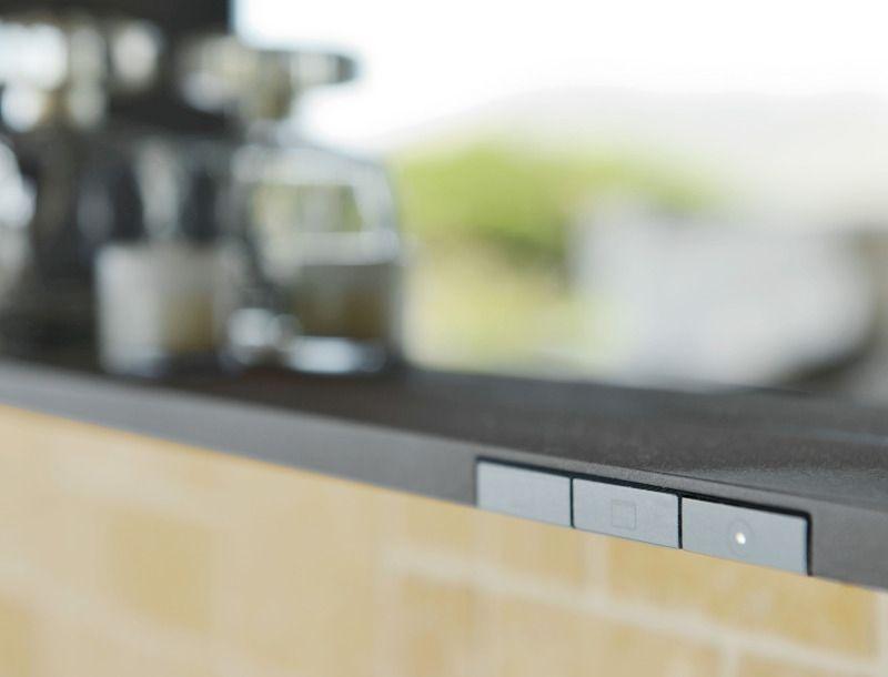 Keuco X-LINE Lichtspiegel mit Spiegelheizung B:100xH:70xT:10,5 cm inox seidenmatt 33298293000