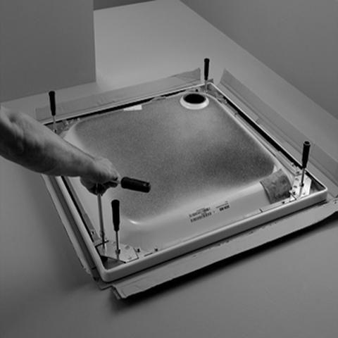 Bette Fußsystem für Duschwanne 100x80 B50-3045